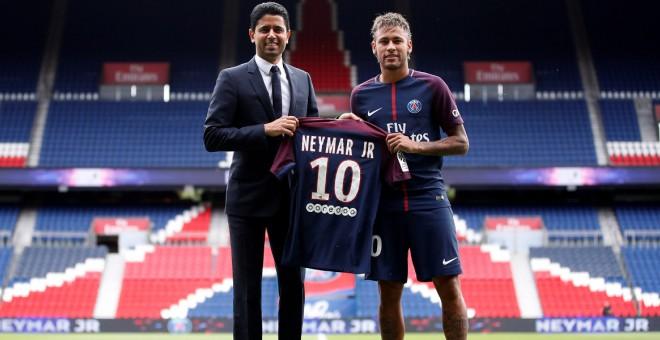 Neymar, en la seva presentació com a jugador del PSG. / Reuters
