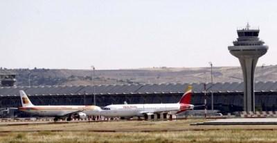 La torre de control de Barajas y el centro de control de Madrid han perdido en seis años 79 de sus 625 controladores aéreos, más de la octava parte de la plantilla.