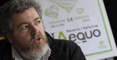 Foto de archivo del diputado de EQUO, Juantxo Lopez de Uralde, durante una conferencia de prensa | EFE