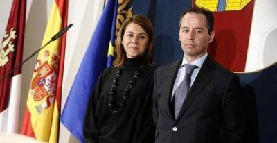 El inspector jefe de Policía Nacional Andrés Gómez Gordo con María Dolores de Cospedal en su etapa en el Gobierno de Castilla-La Mancha. EFE/Archivo