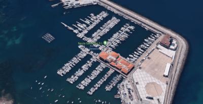 El pasado domingo 23 de diciembre un hombre agredió a dos chicas en el Puerto de Sanxenxo - Google Maps