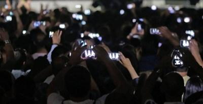 Teléfonos móviles en conciertos. Foto: PXHERE