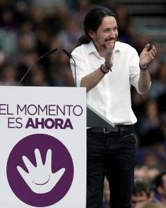Pablo Iglesias, durante el mitin de Podemos en Valencia, este domingo. EFE