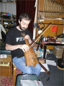 Pawel Romańczuk in the Małe Instrumenty studio © Susan Yelavich