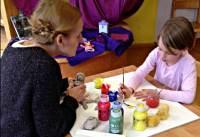 Kreativ die Welt entdecken - Kunsttherapie-Projekt im ...