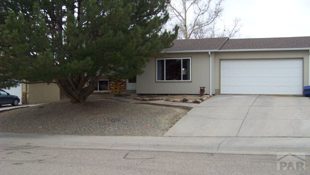 10 Grissom Place Pueblo CO 81001