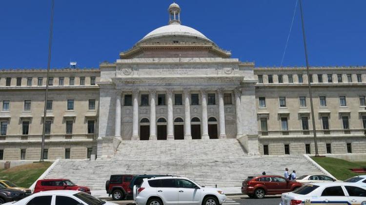 Presidente de Junta de Puerto Rico reconoce la dureza del recorte de las pensiones