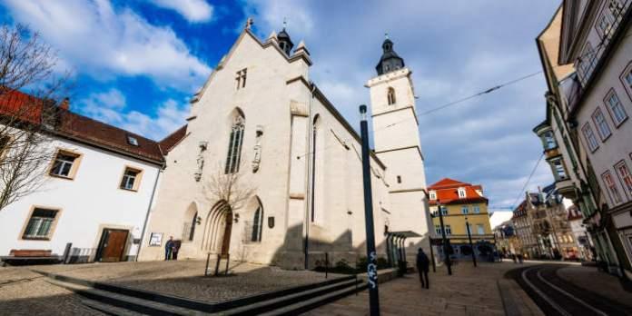 Frauenchor lädt zum weihnachtlichen Konzert in die Wigbertikirche ein