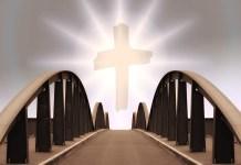 Brücke mit Kreuz