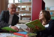 Ronja Räubertochter auf bequemen Sitzsäcken lesen