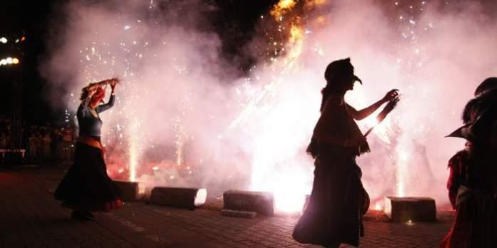 Walpurgisnacht, Maibaumsetzen und Bikerausfahrt: Veranstaltungen am 30. April und 1. Mai auf dem Domplatz