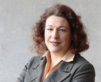 Dr. Isabella Schwaderer