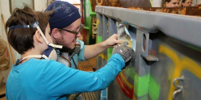 Neue Grüncontainer-Graffitis für Erfurter Ortsteile