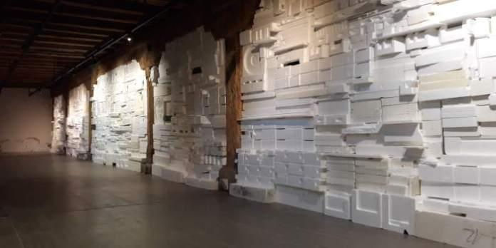 Installationswand aus Styrodur