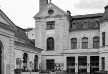 ein altes Gebäude