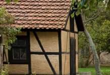 Außenfassade eines kleinen Hauses