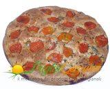 Focaccia di Altamura integrale con pomodoro fresco