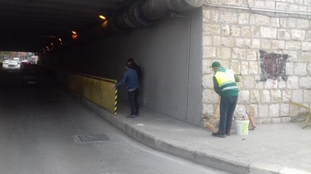 ringhiera divelta sotto il ponte di via alvisa