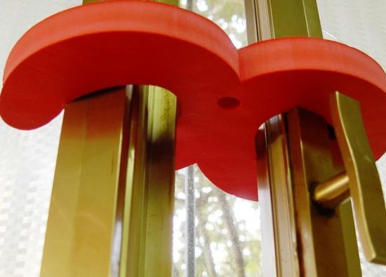 GANCI FERMAFINESTRA IN EVA SPESSORE 2 cm DIM 26x16 cm