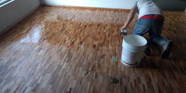 barnizado y pulido de pisos de madera