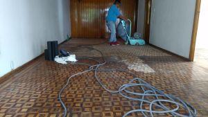 pulido de piso de parquet