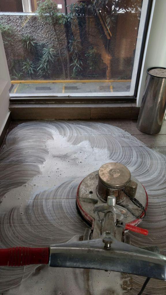 limpieza de pisos y lavado de pisos