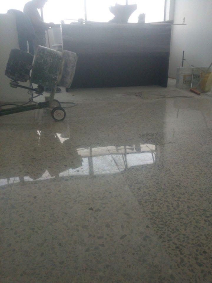 abrillantado de piso con desbastadora