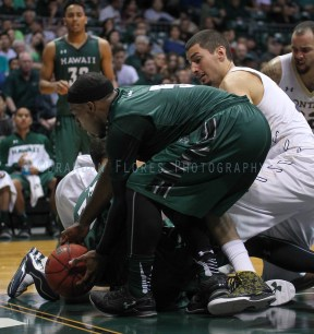 UH defeats Montana State, 87-76, in oepning round action of the Outrigger Resorts Raibow Classic, at the Stan Sheriff Center, Honolulu, HI on November 13 2015. Photo: Brandon Flores.