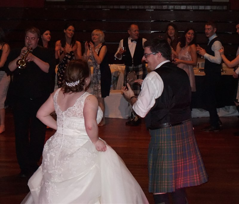 Pulse wedding bands Glasgow & Ayrshire pic of bride and groom at Rutherglen Town Hall Glasgow near Glasgow