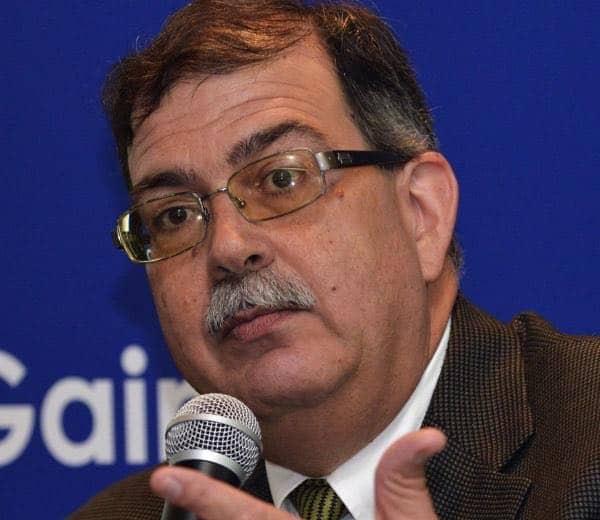 Diez años para mejorar calidad académica, según plan de trabajo de candidato a presidir UPR