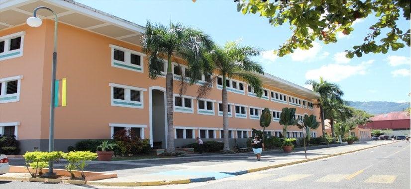 Exrectores y funcionarios de la UPR serán investigados por posible fraude