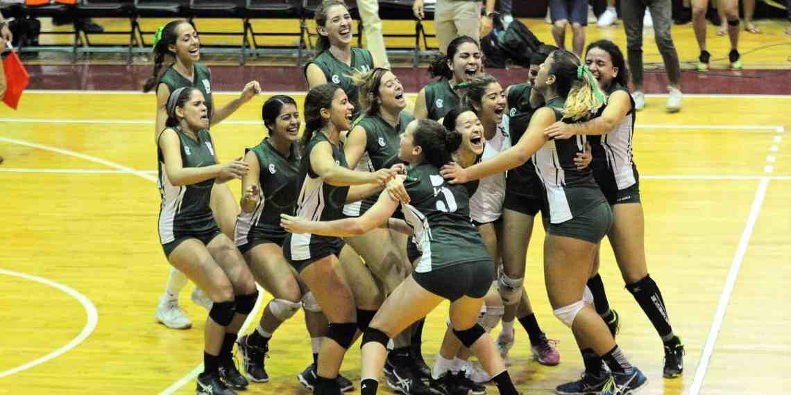 Ganan campeonato de voleibol las Juanas del Colegio