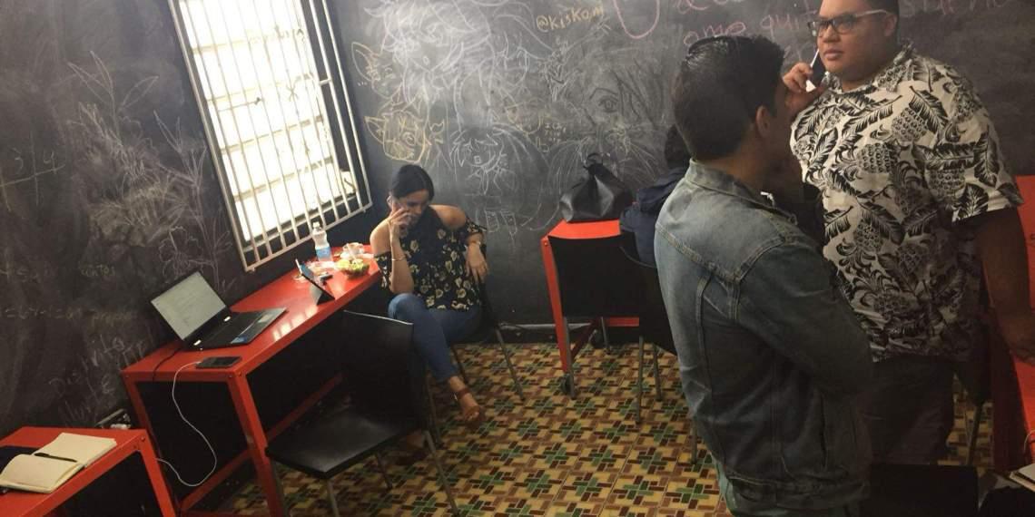 Una llamada a la acción: Jóvenes puertorriqueños promueven el voto boricua en Florida