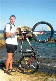 Wojciech Milewski lubi dalekie wyprawy w różnym terenie.