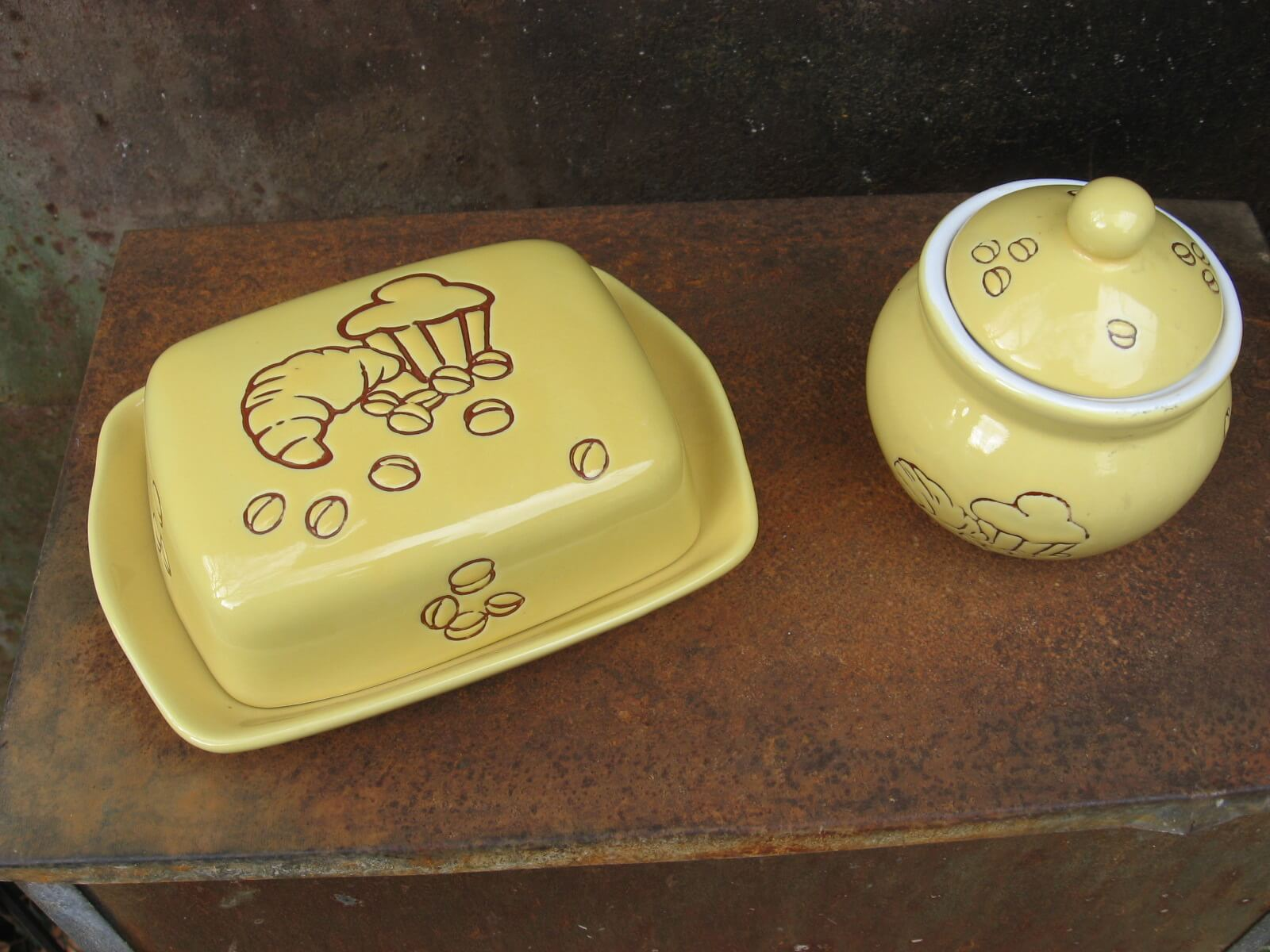 French croissant brioche butter dish jam pot ceramic pottery at PumpjackPiddlwick
