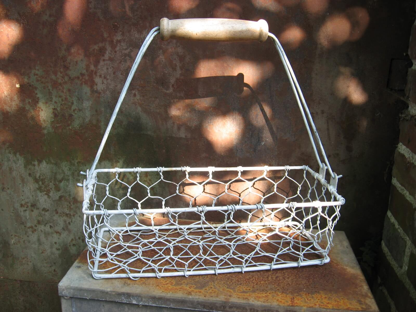 French wire metal basket with handle PumpjackPiddlewick