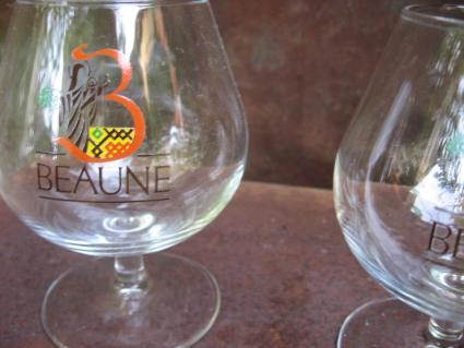 Beaune wine glasses pair at PumpjackPiddlewick
