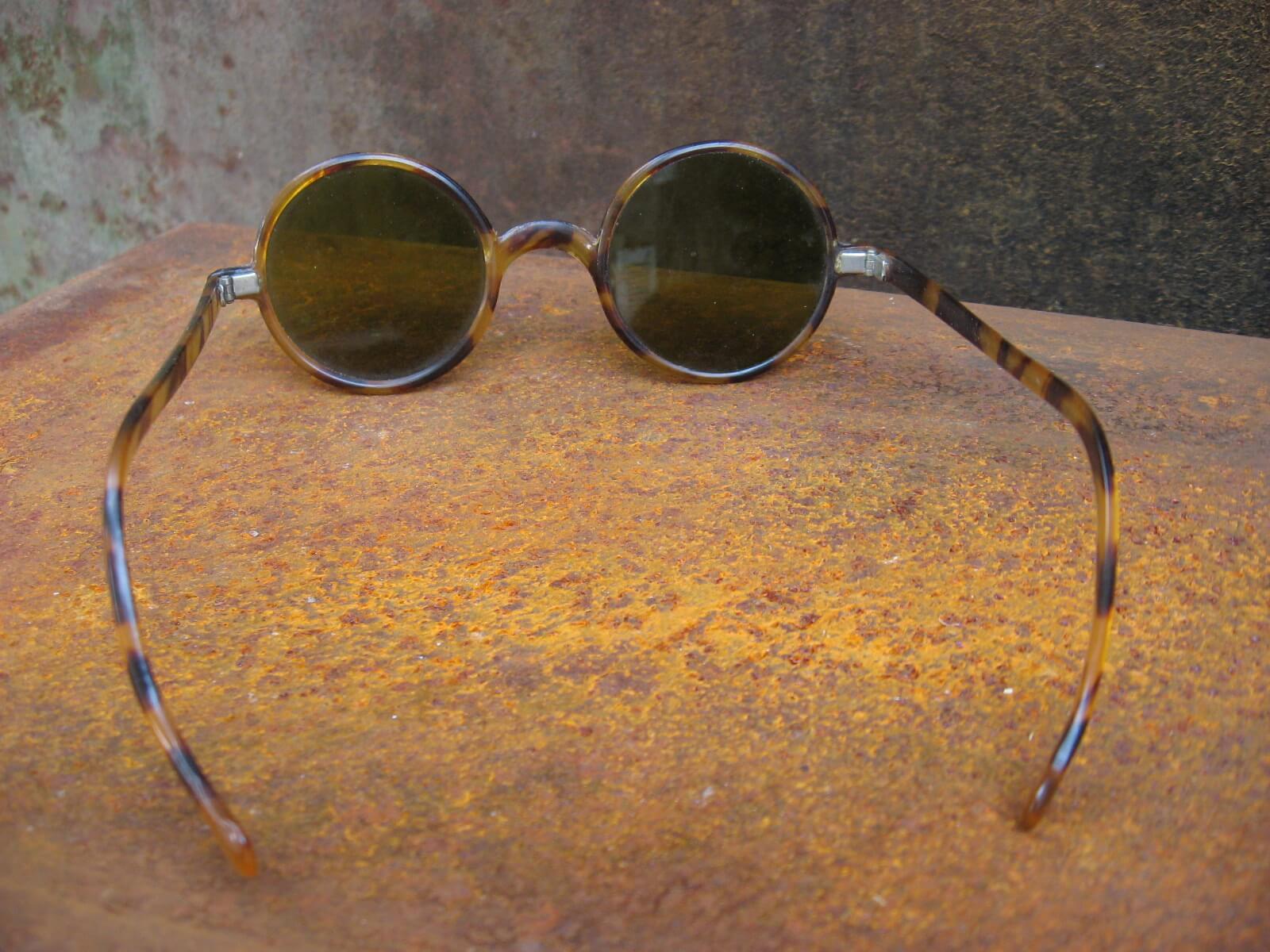 1920s bakelite tortoiseshell round sunglasses_C_PumpjackPiddlewick