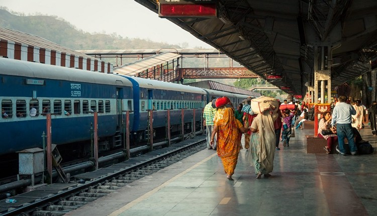 Pune- Jammu Tawi Express | Pune-Jammu Tawi special train canceled today due to farmers' agitation