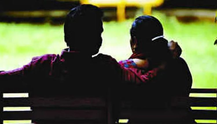 pune-crime-on-suspicion-of-wife-having-an-immoral-relationship-with-her-sisters-husband-the-accused-husband-put-hot-mutton-on-the-wifes-body