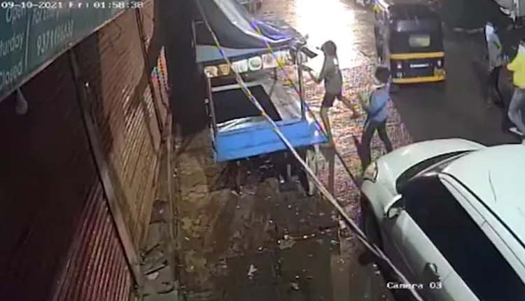 Crime News | goons-thrown-beer-bottles-at-traders-house-ulhasnagar-incident-caught-in-cctv