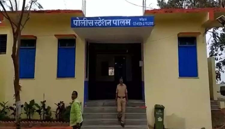 Parbhani Crime | parbhani-16-year-old-girl-gang-raped-in-parbhani-victim-commits-suicide-2-accused-arrested News in hindi