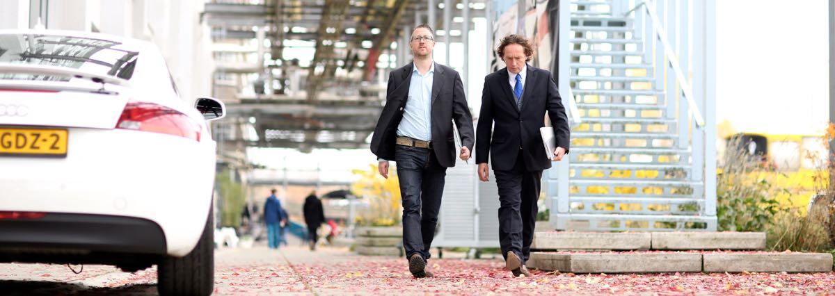 Richard en Jan Willem langs Audi TT