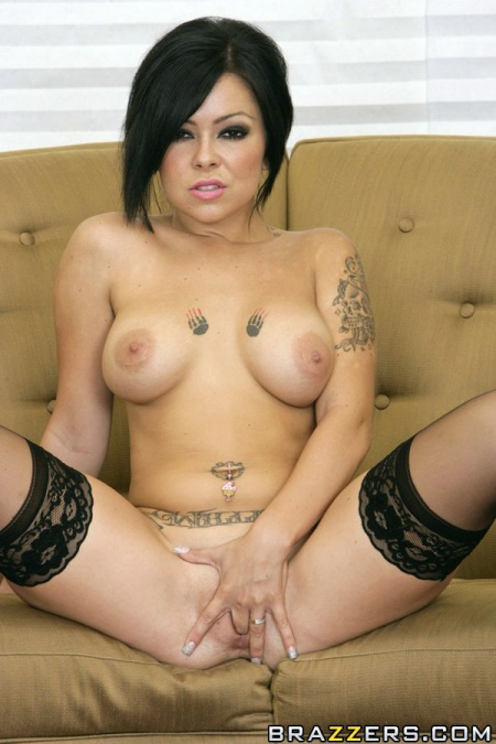julia bond punk tattoos paw print finger