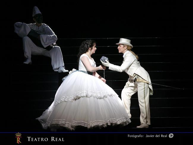 https://i0.wp.com/www.puntafinanews.com/wp-content/uploads/2010/12/Der-Rosenkavalier-Javier-del-Real2.jpg