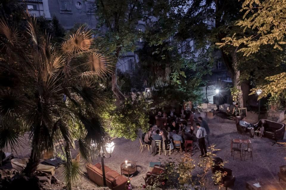 Aperitivi in terrazza a Roma Le Jardin 489 in Villa Brasini