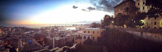 Una panoramica di Genova vista da Spianata Castelletto