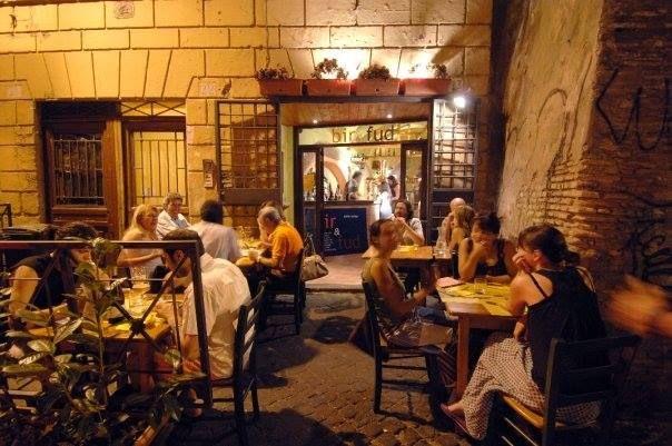 Mangiare allaperto a Trastevere a Roma