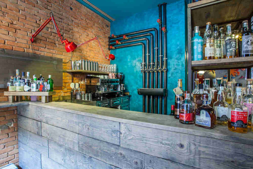 Red Brick Bologna Bancone bar