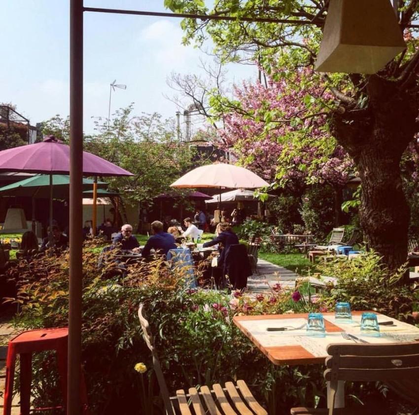 Mangiare allaperto a Milano terrazze e giardini di